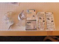2 Manual breast pumps etc