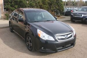 2011 Subaru Legacy 3.6R LIMITED W/NAV LEATHER, SUNROOF, AWD