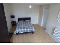 LARGE Furnished Room (Private Balcony) / Poplar Area, ZONE 2 / All Bills Inc / Avail 2nd June !!