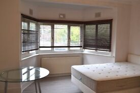 Newly renovated studio flat in Hendon Central.