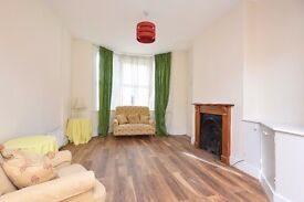 A stunning and newly refurbished six bedroom house to rent in Southfields