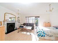 SPACIOUS 3/4 BEDROOM APARTMENT WITH BALCONY OPPOSITE HAMPSTEAD HEATH & CLOSE TO TUFNELL PARK TUBE