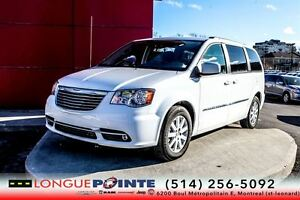 2015 Chrysler Town & Country Touring 4300 KM