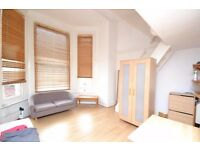 Spacious double studio in the heart of Earl's Court