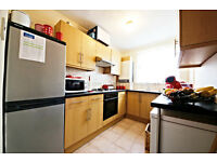 Freshly painted two double bedroom flat located between Streatham and Tulse Hill Station