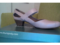 Never worn, pink / nude leather shoes. Size 8 / 42