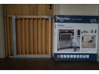 BabyDan Designer Gate with pressure fit and indicator