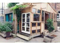Workshop / studio / office with lots of light in a beautiful building with a garden next to Waterloo