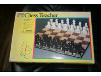 CHESS TEACHER BOARD GAME - TEACHES YOU HOW TO PLAY CHESS