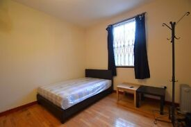 Heating and hot water included! Double studio with wood floor in zone 2, Hammermsmith W6