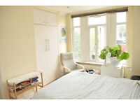 Stunning 4 Bedroom Ground Floor Flat with Large Private Garden a Short Walk to Balham Stations SW12