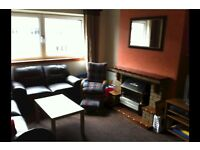 3 bedroom flat in Glasgow G11, NO UPFRONT FEES, RENT OR DEPOSIT!