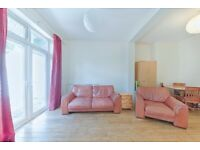 **3 double bedroom GARDEN FLAT available now in Cricklewood/Gladstone Park!**