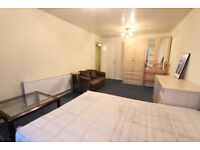 2 bed flat. AVAILABLE NOW. TOTTENHAM CRT RD, OXFORD STREET. IDEAL for UNI, amenities, Shops + more
