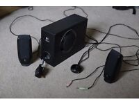 Logitech S-220 Stereo Computer Speaker System 17W Black Excellent Condition