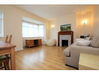 Light and Spacious Two Bed Flat Located Under Half a Mile Walk From Hendon Central Tube NW4