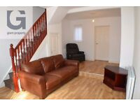 Stylish Two Bedroom House Available Immediately Oakley Street