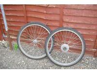 Mountain Bike Wheels & Tyres