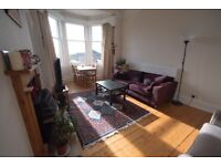 Lovely, Large Bright 2 bedroom Flat in Newington suitable for 2 people.