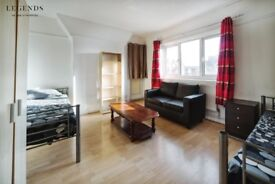TWIN ROOM IN NICE HOUSE* THERE IS MORE ROOMS IN THE SAME HOUSE* MOVE SOON* BOOK IT NOW