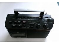 Sony radio, CFM-A50 retro look well made with FM/MW/LW receiving ability.