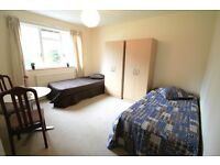 M/ Extremely cheap twin.double room in Tufnell Park, seconds from the underground //14B