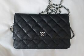 CHANEL Classic Wallet on a chain handbag with woven chain