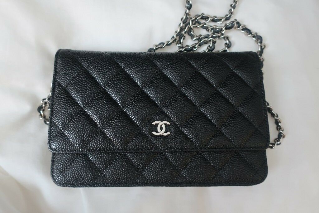 2ae8db9cf7dfb6 CHANEL Classic Wallet on a chain handbag with woven chain | in ...