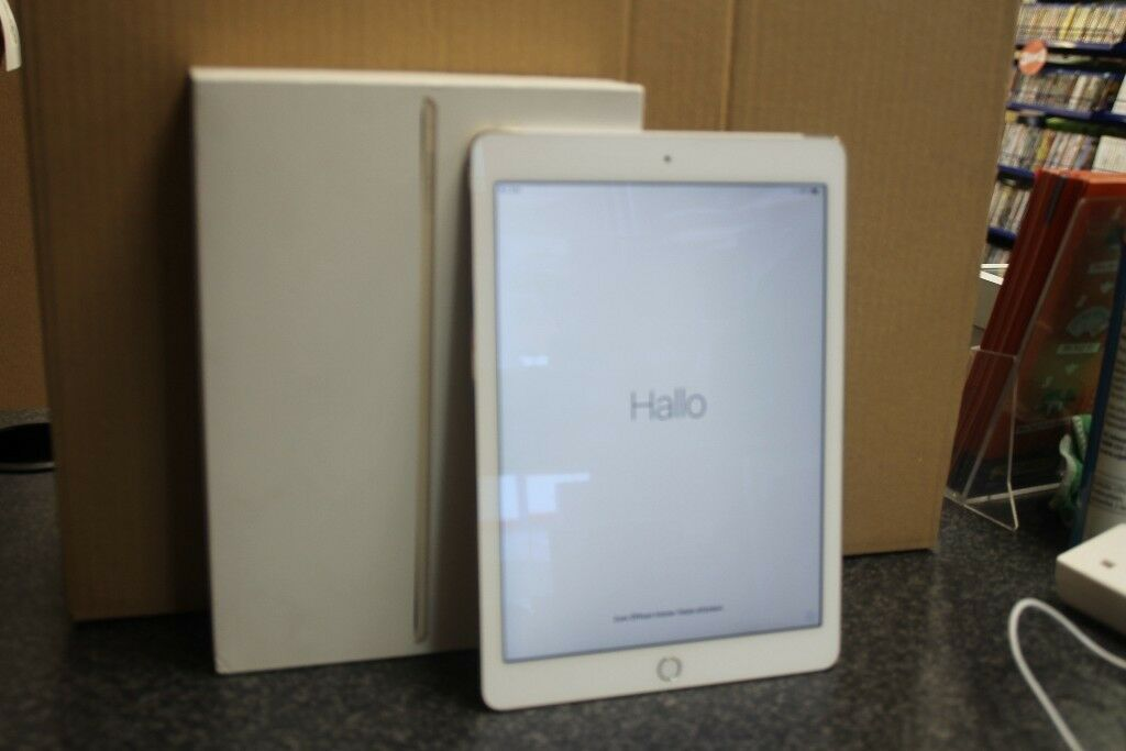 Apple MH2W2B/A 9.7-Inch iPad Air 2 (A8X 1 GHz, 2 GB RAM, iOS8)