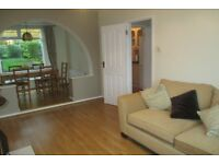 Well presented 3 bed Semi Detached House To Rent