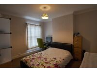 Spacious double room in an excellent location in Harborne