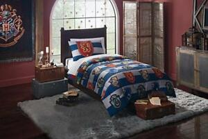 "Harry Potter ""Rugby Pride"" 4 Piece Twin Bed in a Bag Bedding Set for Kids - Comforter, Pillowcase & Sheets"