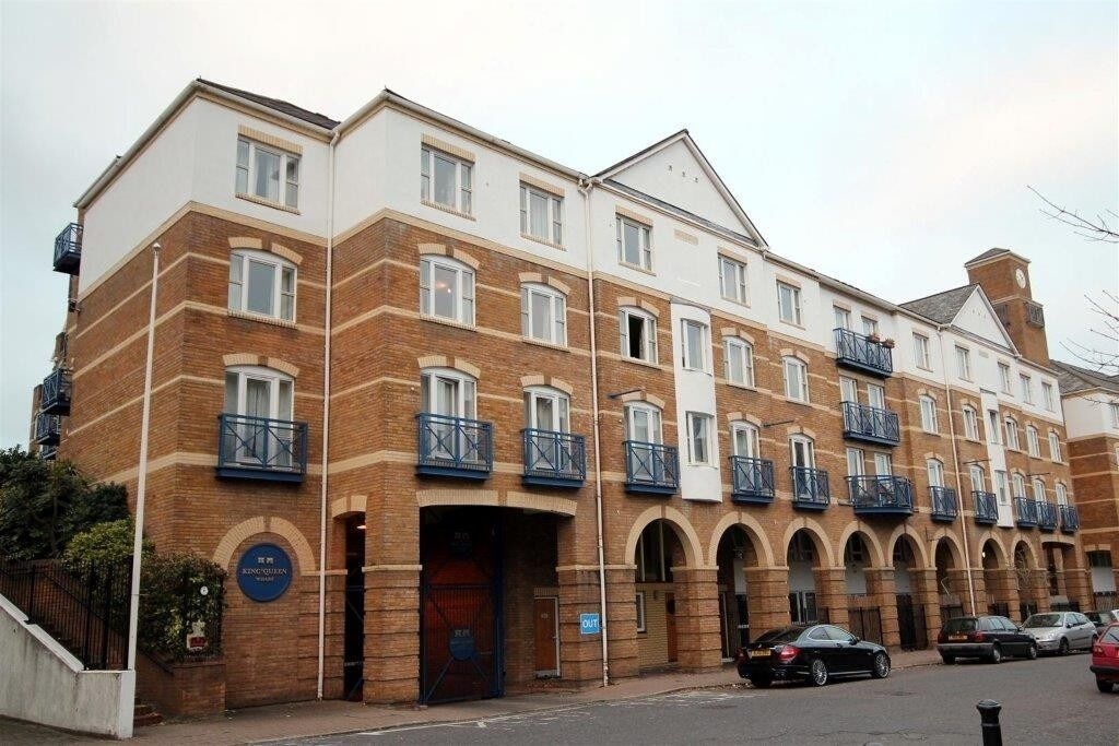 Oppida are pleased to offer for rent this stunning 1 double bedroom apartment.
