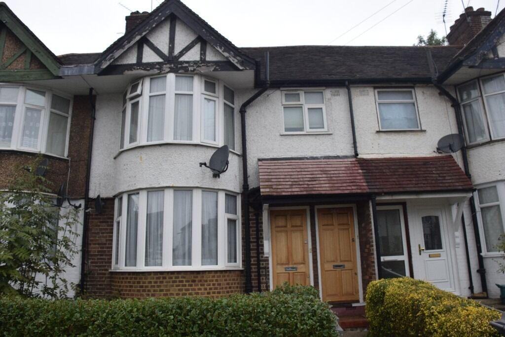 Large 1 double bedroom ground floor flat with garden to rent in Neasden / Wembley park