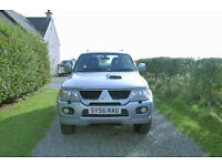 Mitsubishi Shogun Sport Trojan 5 door diesel 2.5 4x4 with black leather seats and towbar
