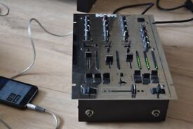 KAM 3 CHANNEL DJ MIXER WITH POWER CABLE CAN BE SEEN WORKING