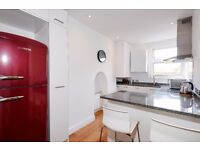 Pembroke Road W8. Recently refurbished one double bedroom flat to rent.