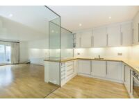 Notting Hill**Big Price Reduction**Amazing 3 bed flat for long let**