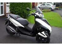 016/66 piaqggio mp3 300cc yourban sport