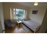 All inclusive double room close to L&D and Tesco 24hrs £450 pcm