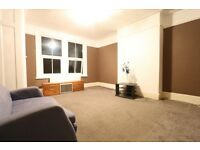 2 bedroom flat in Etchingham Park Road, Finchley, N3