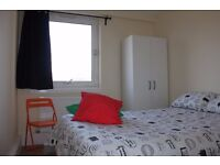 Double room available now in Bethnal green. £200pw all included!