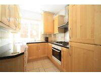 WIMBLEDON / SPACIOUS 2 BED APARTMENT / SEP LOUNGE & KITCHEN / PRIVATE BALCONY / 5 MIN TO STATION!!!