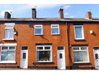Beautifully presented 3 bedroom terrace in quiet location close to shops and schools