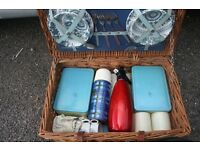Brexton Picnic Basket 50s / 60s, ideal for classic car etc In good used condition