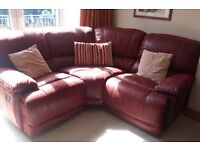 Guvnor set of 2 sofas 1 large chair and additional section only 17 months old
