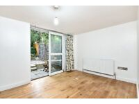 Sydcote Road - A unique opportunity to rent a recently decorated three double bedroom.