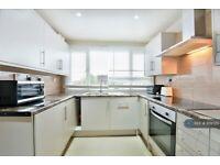 6 bedroom house in Swasdale Road, Luton, LU3 (6 bed) (#978720)