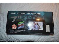 "7"" digital photo viewer"