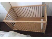 IKEA SNIGLAR baby cot/crib + IKEA VYSSA mattress: 60x120, adjustable with a side opening